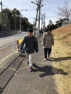 2/4 散歩.jpg