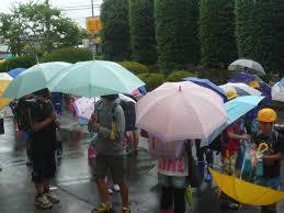 5・20 雨の登校.png