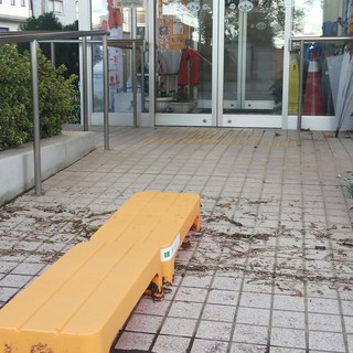 10/13 コミセンの玄関.jpg